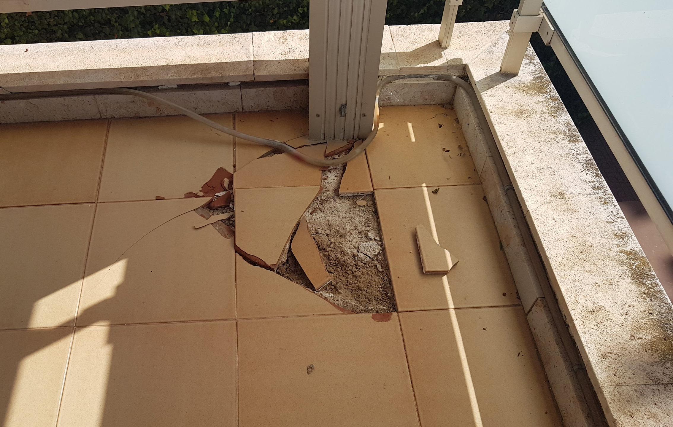 Daños estructurales en balcón - ITE